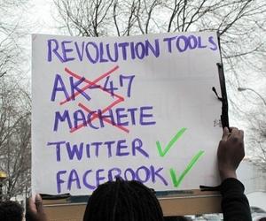 http://2.bp.blogspot.com/-XRdnG5oYGJg/UT9qI0smp4I/AAAAAAAANFo/mifdMoDCQl0/s1600/internet-revolution.jpg