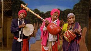 புர்ர கதா, ஒரு தெலெகு நாட்டார் நாடகமுறை; என் அம்மாவுக்கு மிகவும் பிடிக்கும். எனக்கும் தான்... ஆனால், புர்ராமகிருஷ்ணனுக்கு நன்றியுடன், அதில் பொதிந்திருக்கும் புர்ராவைத்தான் இனிமேல் கொஞ்சம் மனக்கிலேசத்துடன் பார்க்கவேண்டியிருக்குமோ? (படம் இங்கிருந்து) http://www.rajneshdomalpalli.com/vanaja/